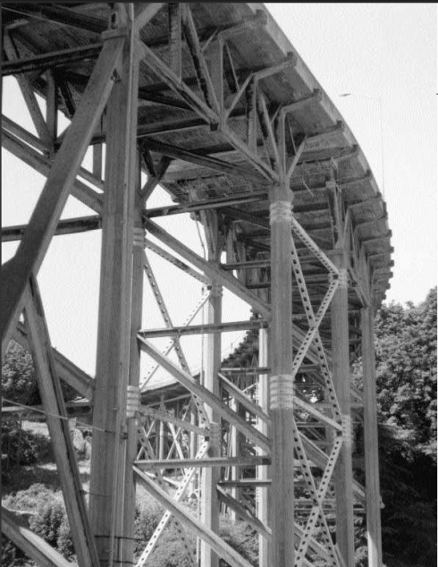 The west end of the Magnolia Bridge showing the steel bracings added over the years. Photo by Monica Wooton, 2000